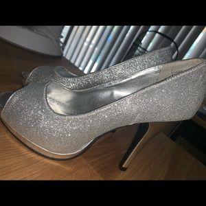 Silver sparkle women's heel